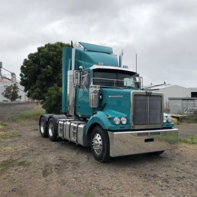 Trucks/Trailers